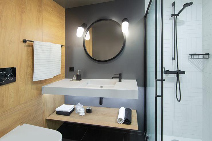 hotel moxy salle de bain préfabriquée standing