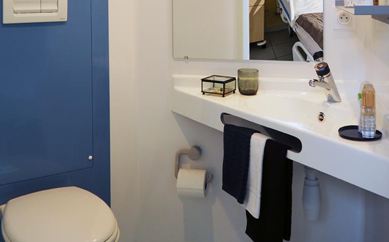 salle de bain préfabriquée trifonction vasque