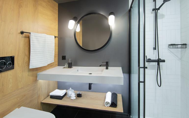 hotel moxy bern salle de bain sur mesure