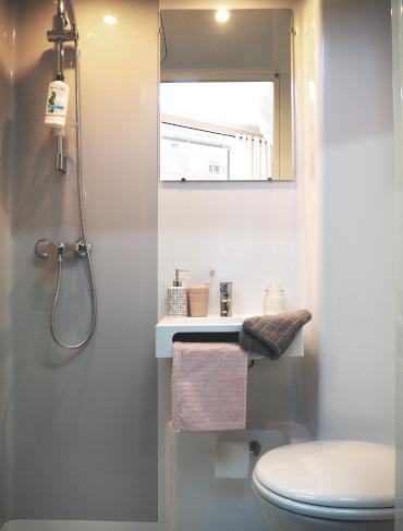 salle de bain compacte préfabriquée